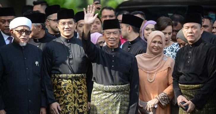 Mahathir Siap Lawan Muhyiddin