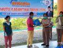 BKIPM Entikong Salurkan 100 Paket Sembako Kepada Warga di Perbatasan