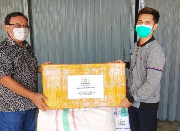 Photo of Pengusaha Peduli Kalbar dan Kadin Serahkan Bantuan Kepada RSUD SMJ 1