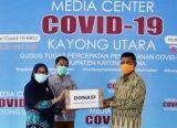 Photo of ASN Kayong Utara Donasikan Bantuan Covid-19, Tim Gugus Tugas Terima 1.500 Masker