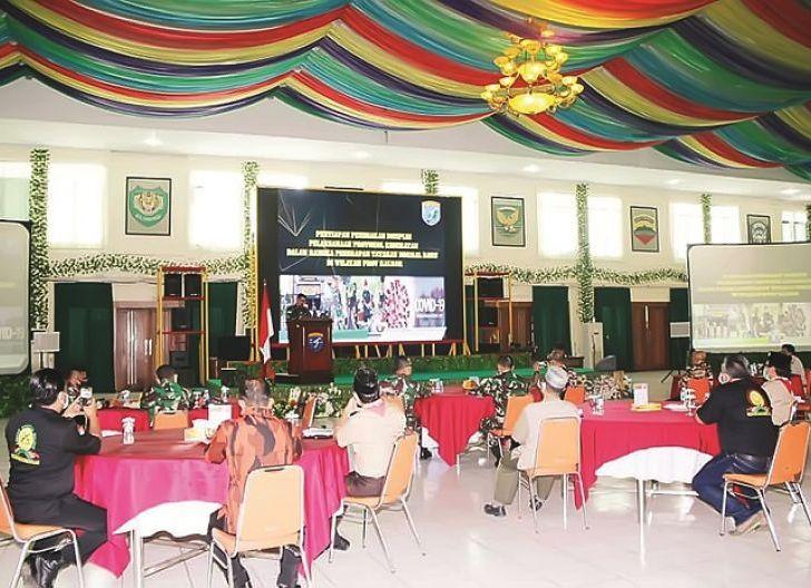 Photo of Kodam XII/Tpr Latih Pemuda Kalbar untuk Disiplin Protokol Kesehatan Menuju New Normal
