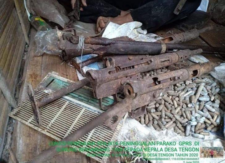 Photo of Warga Tengon  Temukan Senjata Api dan Ribuan Peluru Peninggalan  PGRS di Gunung Berambang