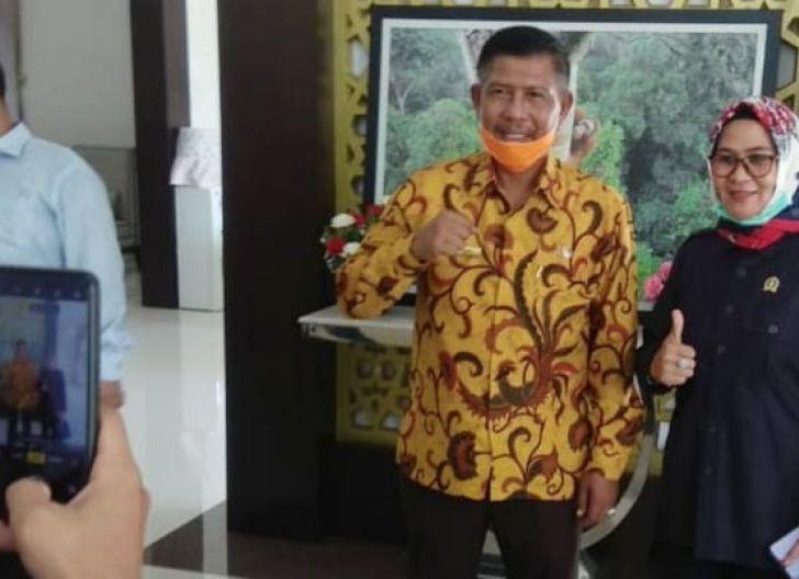 Photo of Anggota Dewan Provinsi Akan Kawal Perbaikan Ruas Jalan Sukadana - Siduk