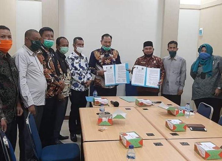 Photo of Kanwil Kemenkumham Kalbar dan DPRD KKU Tandatangani NKPT