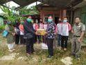 Pemerintah Desa Tanjung Tengang Bantu Keluarga Positif Covid-19