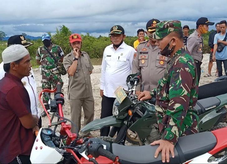Photo of Forkopimda Kapuas Hulu Tinjau Lokasi PETI di Bunut Hulu