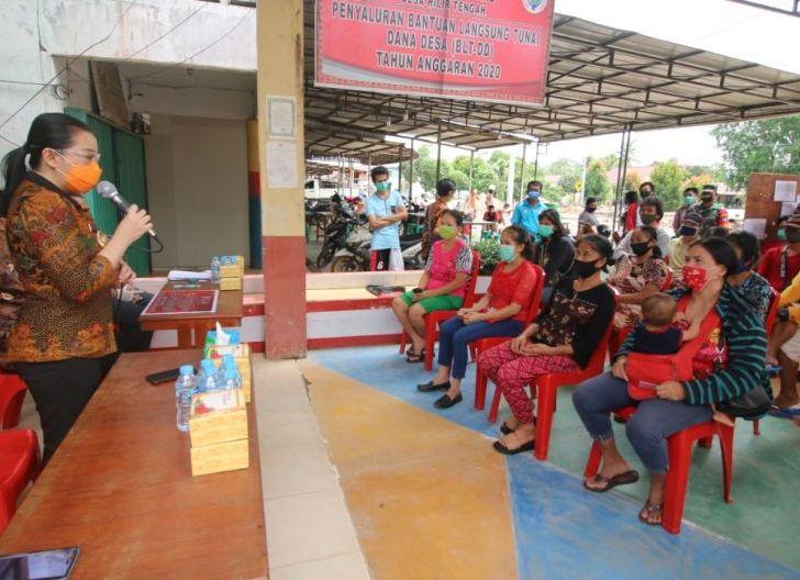 Photo of 158 KPM di Desa Hilir Tengah Kabupaten Landak Terima BLT-DD