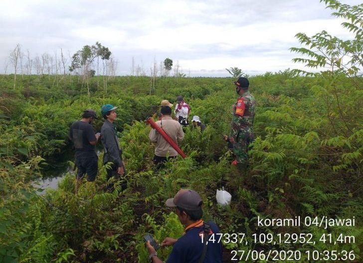 Photo of Koramil Jawai Tinjau Kanal Blocking Antisipasi Karhutla