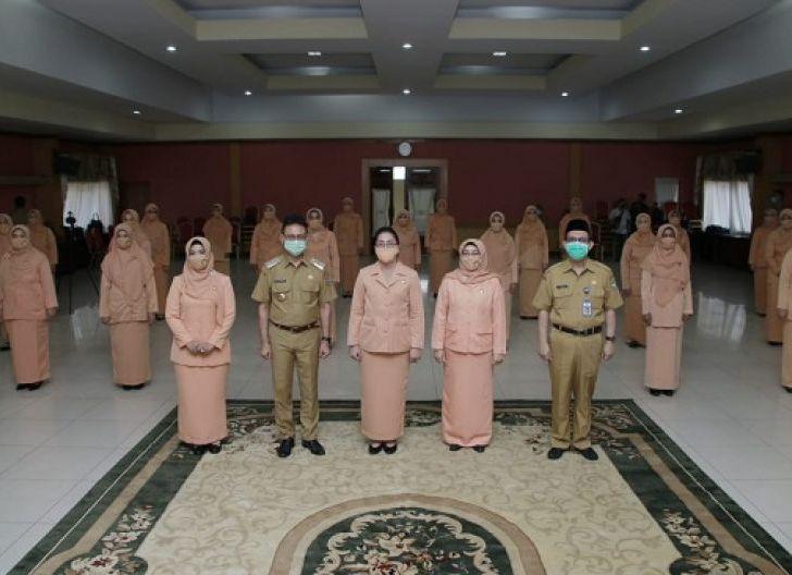 Photo of Pengukuhan Dharma Wanita Persatuan 2019-2024, Maksimalkan Peran Wanita Bantu Program Pembangunan