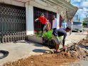 Wali Kota Singkawang Pantau Pemasangan Pipa Air Bersih