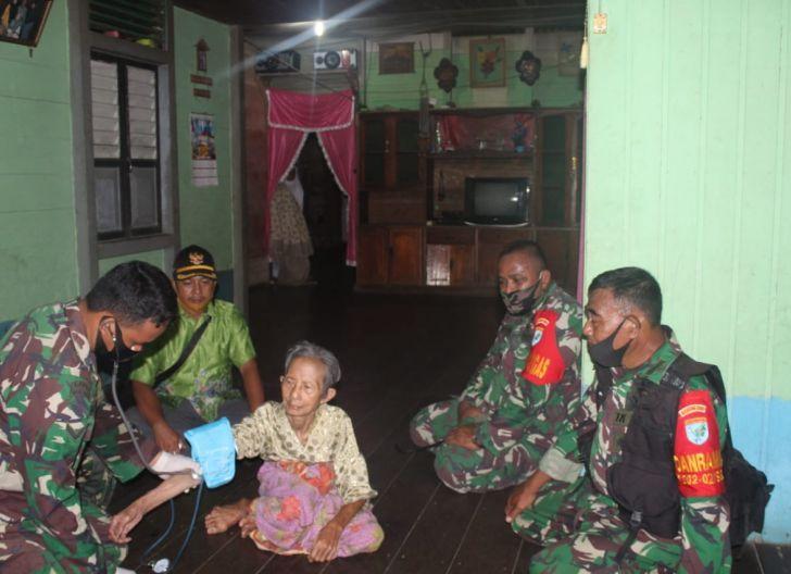 Photo of Dansatgas TMMD Reg 108 Beserta Rombongan Dampingi Team Kesehatan