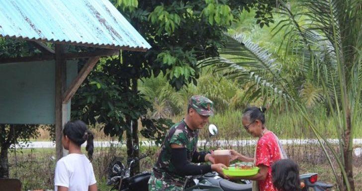 Aksi Kaum Hawa Desa Beringin Rayo, Bersama Satgas TMMD Reguler ke-108 Kodim 1203/Ketapang