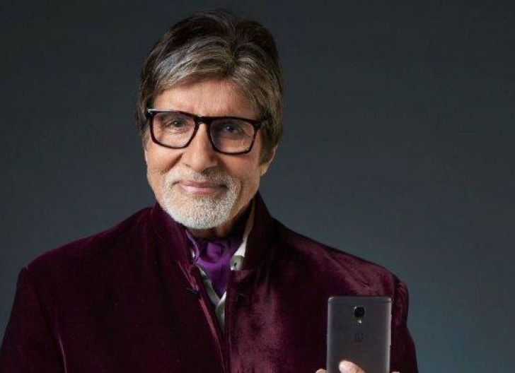 Photo of Bintang Bollywood Amitabh Bachchan dan Putranya Dinyatakan Positif  Covid-19