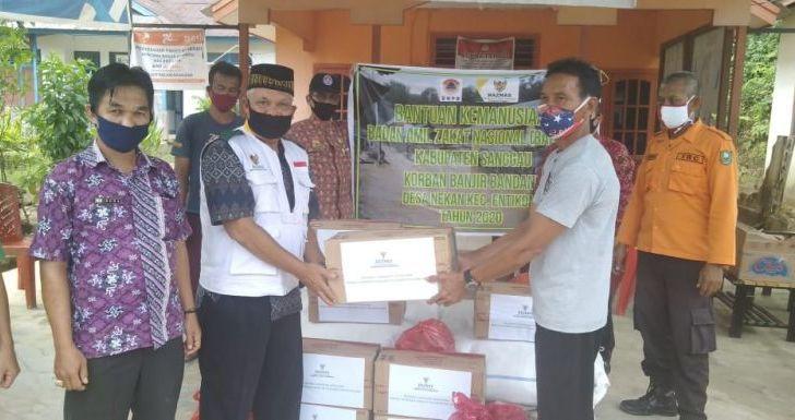 Baznas Sanggau Bantu Koban Banjir Bandang