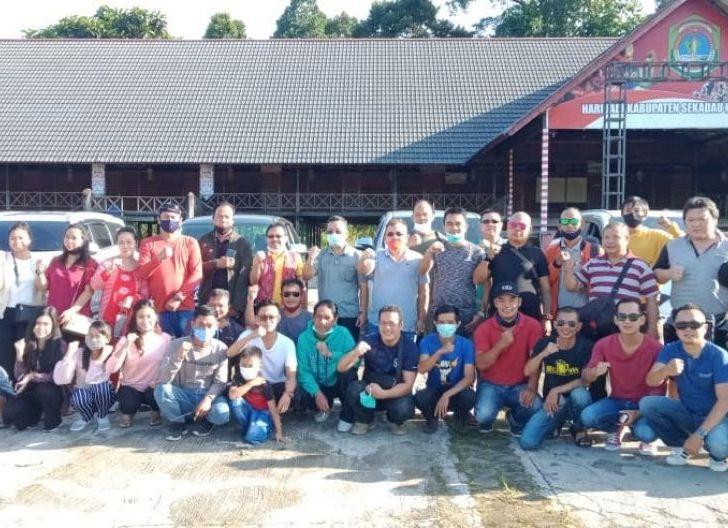 Photo of Bupati Lepas Kontingen ICDN Sekadau Kunjungi Kebakaran Rumah Betang Nyabau