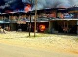 Photo of Penyebab Belum Diketahui, 12 Ruko di Simpang Pinoh Terbakar