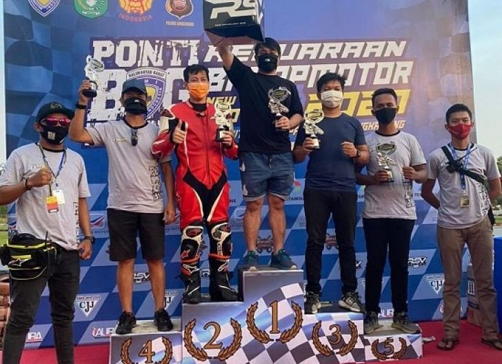 Photo of Anggota Komunitas Honda CBR Raih Podium 1 dan 2 Kejuaraan Balap Motor New Normal di Singkawang