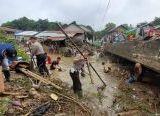 Photo of Terancam Gagal Panen, 5 Hektar Sawah di Entikong Terendam Banjir
