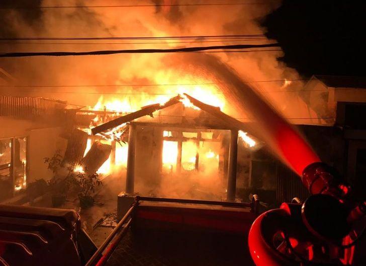 Photo of Diduga Konsleting Listrik, Satu Rumah di Desa Payak Kumang Ludes Terbakar