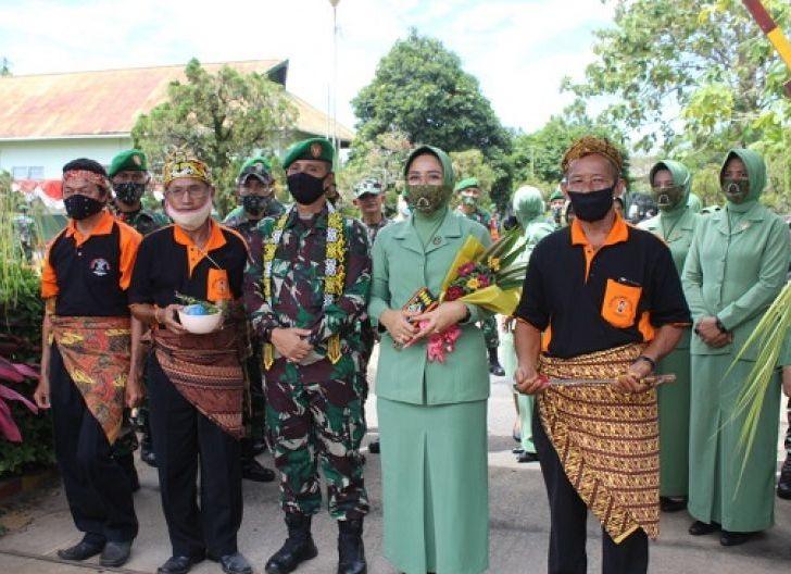 Photo of Rasa Haru Warnai Tradisi Pelepasan Letkol Kav Jami'an, S.I.P dan Keluarga