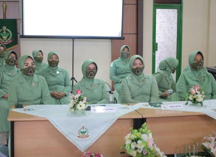 Photo of Persit KCK PD XII/Tpr Ikuti Webinar Perdagangan Online