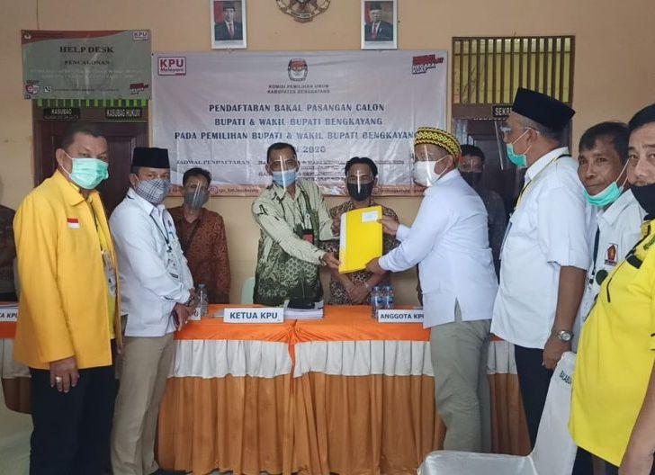 Photo of Resmi Daftar di KPU, Darwis Siap Kembalikan KTA PDIP