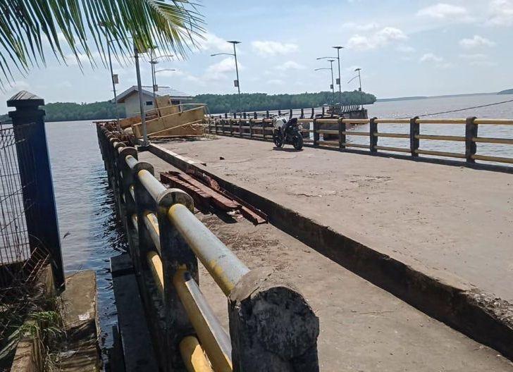 Photo of Masyarakat Desak Pelabuhan Teluk Batang Segera Dioperasikan