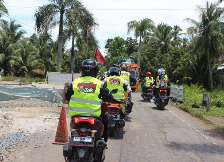 Photo of Siswa-Siswi SMAN 1 Pontianak Dapat Edukasi Safety Riding, Astra Motor Kalbar Berbagi Tips Cari_Aman