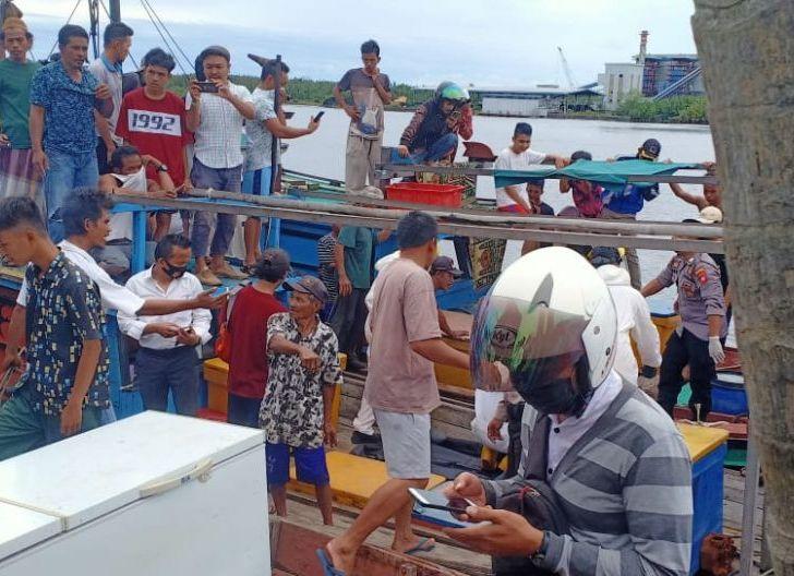 Photo of Heboh, Warga Temukan Mayat Mengapung di Sungai Pawan