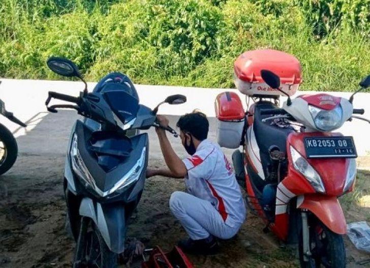 Photo of Tingkatkan Pelayanan ke Konsumen, Honda Care Astra Motor Kalimantan Barat Siagakan Motor Servis