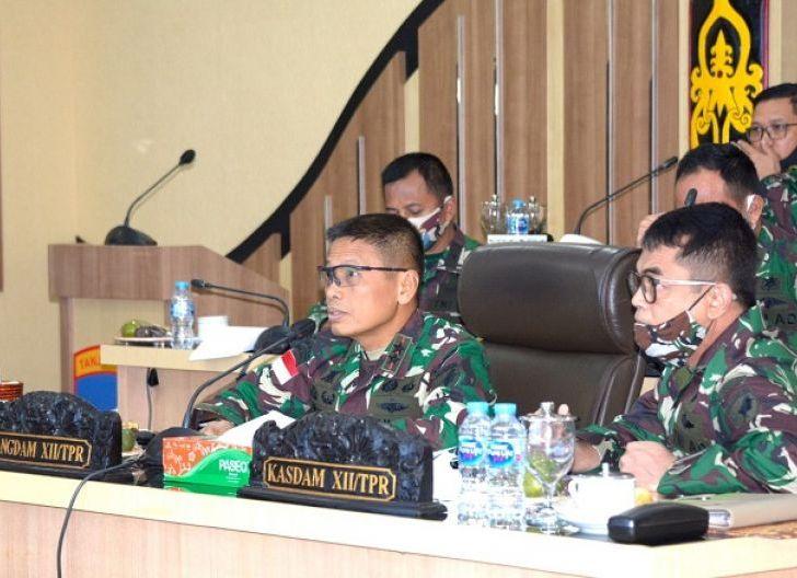 Photo of Melalui Video Conference, Pangdam XII/TPR Beri Pembekalan Pasis Dikreg XLVII Sesko TNI