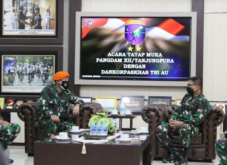 Photo of Pangdam XII/Tpr Terima Kunjungan Silaturahmi Dankorpaskhas TNI AU