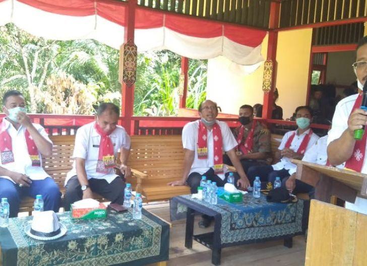 Photo of Bupati Sekadau Resmikan Gedung Pelatihan Boti