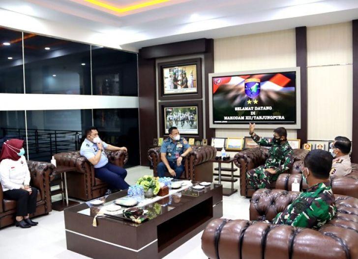 Photo of Bahas Penguatan Perbatasan, Pangdam XII/Tpr Terima Kunjungan Staf Ahli Menkopolhukam RI
