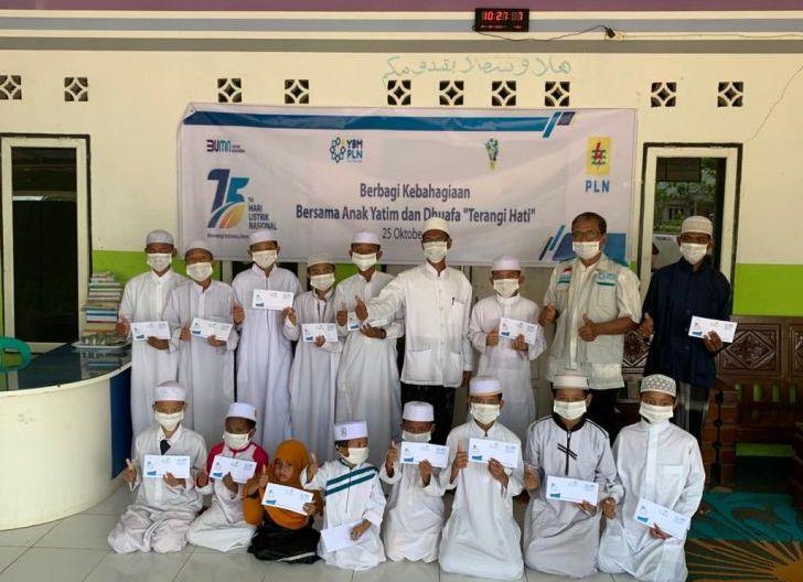 Photo of Berbagi Kebahagiaan, PLN Salurkan Bantuan untuk 75.000 Anak Yatim dan Dhuafa