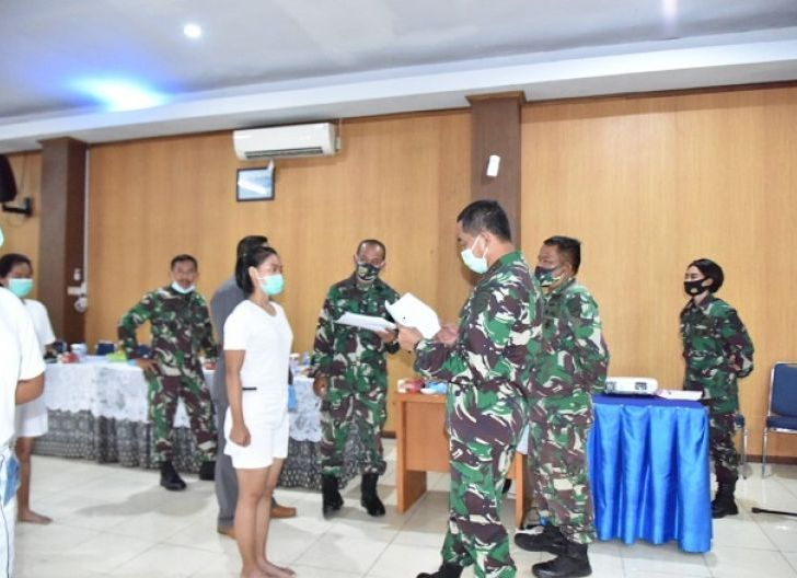 Photo of Danlantamal XII Pimpin Sidang Pantukhir Daerah Calon Bintara dan Tamtama Panitia Daerah Pontianak