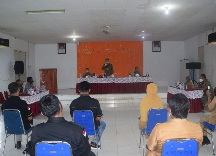 Photo of Kunjungan Kerja Bahas Pilkada, Anum Prioritaskan Prokes-Netralitas ASN