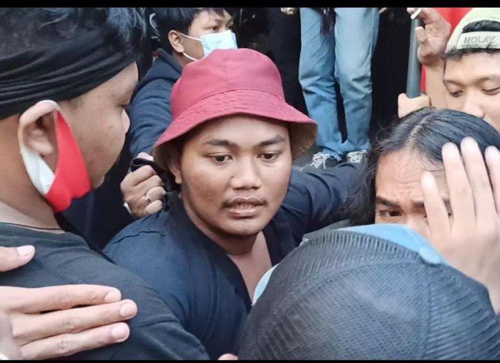 Photo of Polisi Sempat Salah Tangkap Peserta Aksi Demo, Tuduh Bukan Mahasiswa