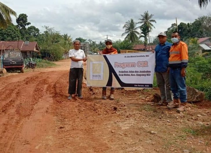 Photo of Bantu Buka Akses Antar Desa Matan Jaya, CITA Perbaiki Lima Jembatan Bersama Masyarakat