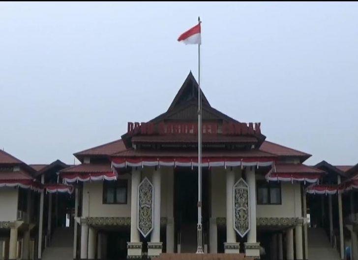 Photo of DPRD Landak Matangkan Pembentukan Raperda Kelembagaan Adat