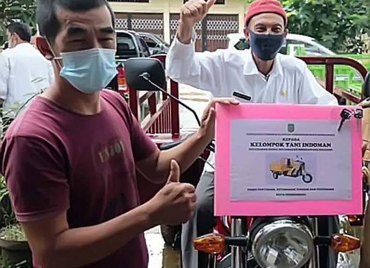 Photo of Tingkatan Kesejahteraan Petani Singkawang,Pemkot Serahkan Bantuan dan Sarana Prasarana Pengolahan Pertanian