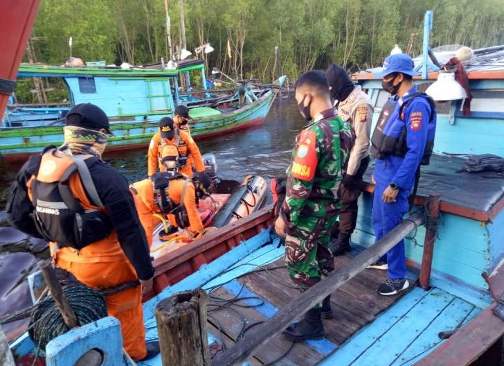 Photo of Personel Gabungan Lakukan Pencarian Nelayan Hilang dan Ditemukan Selamat