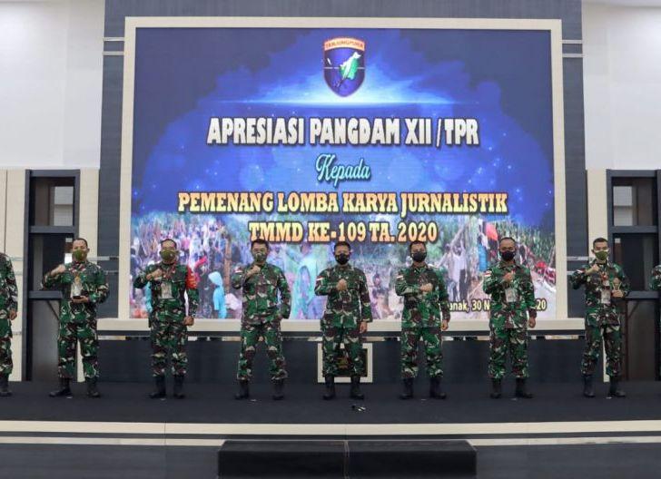 Photo of Pangdam XII/TPR Beri Apresiasi Pemenang Lomba Karya Jurnalistik TMMD ke-109