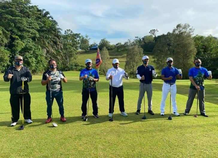 Photo of Jaga Stamina, Brigjen TNI Ronny S.A.P Bermain Golf bersama Forkopimda Kabupaten Sanggau
