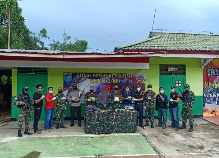 Photo of Laksanakan Ambush, Satgas Pamtas Yonif 642/Kps Gagalkan Penyelundupan 3 Kilogram Sabu