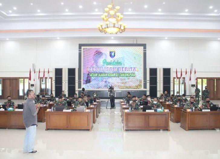 Photo of Tingkatkan SDM, Kodam XII/TPR Gelar Pembekalan Penulisan Berita Bagi Insan Penerangan