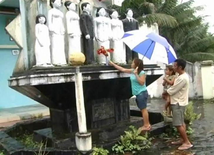 Photo of In Memoriam Tragedi Adam Air: Ratapan di Makam Tanpa Jazad