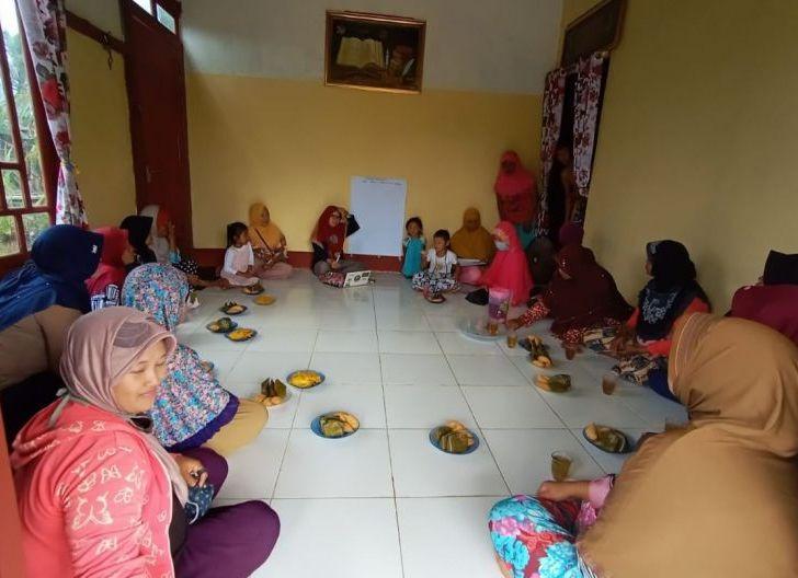 Photo of Kemandirian Ekonomi Perempuan Kayong Utara, Bentuk Kelompok di Lima Desa