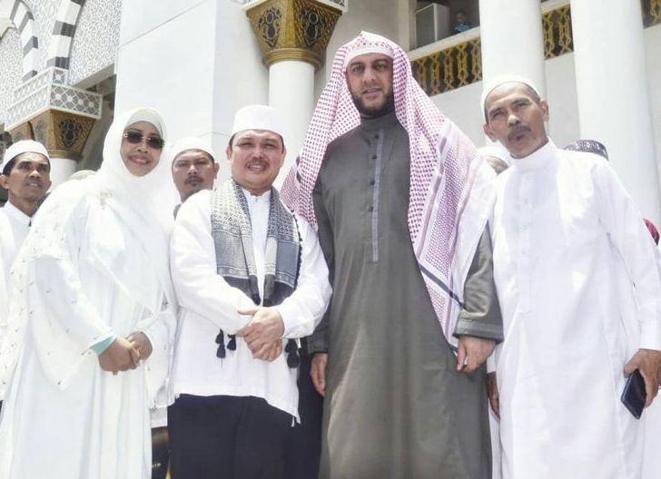 Photo of Sering Bertandang ke Mempawah dalam Kegiatan Keagamaan, Erlina Kenang Sosok Syekh Ali Jaber
