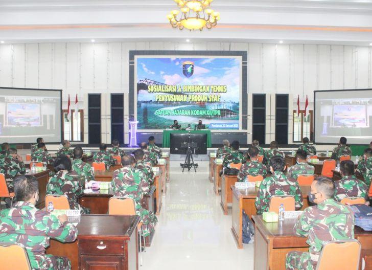 Photo of Kodam XII/Tpr Gelar Sosialisasi dan Bimtek Penyusunan Produk Staf Satuan Jajaran